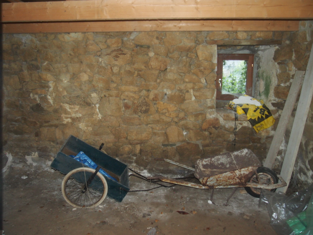 Poterie Toramur atelier acienne écurie intérieur