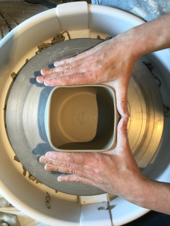 Comment créer un cylindre carré en poterie