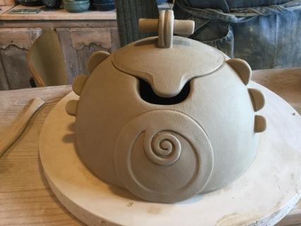 Comment décorer une boite en poterie