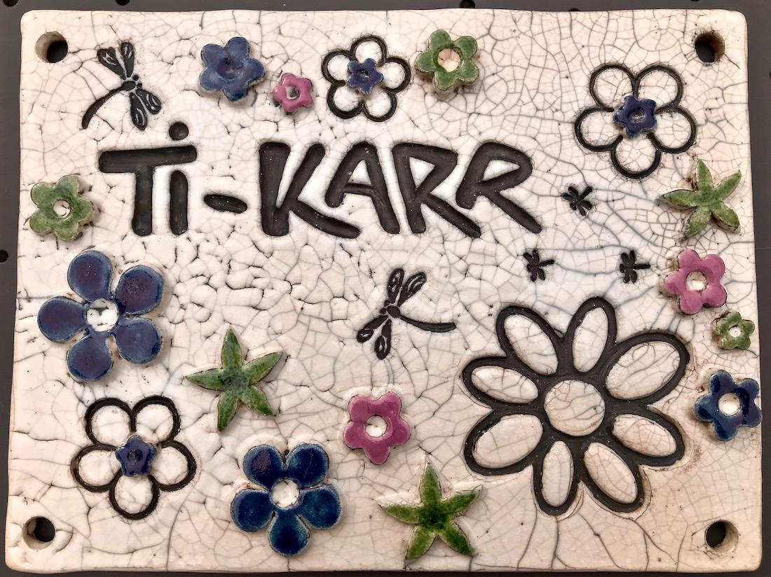 Poterie Toramur plaque Ti Karr