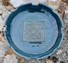 Poterie Toramur grand plat noeud celtique coeur