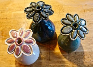 Poterie Toramur vases fleurs blanc rose vert bleu
